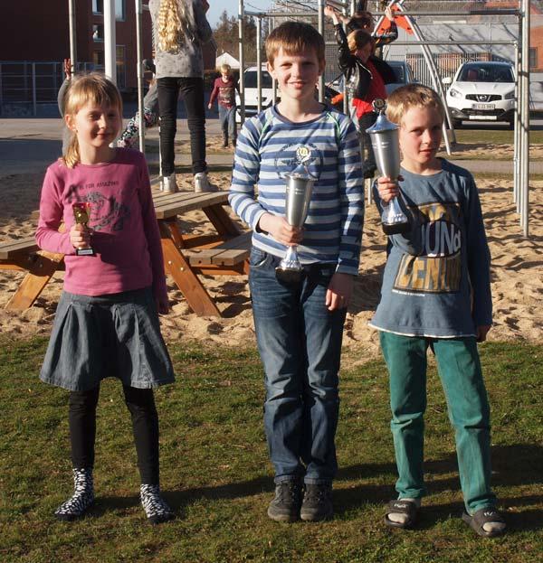 Klubmestre 2015. Fra venstre møde højre: Agnethe Mortensen (nybegyndergrupen), Jakob Schultz Svenningsen (4. - 6, klasse) og Marius Bøss Sørensen (1. - 3. klasse).
